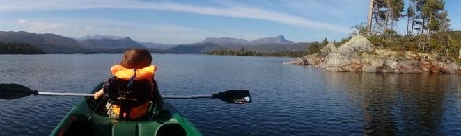 CANOEING THE ØYANGEN LAKE, guided tour