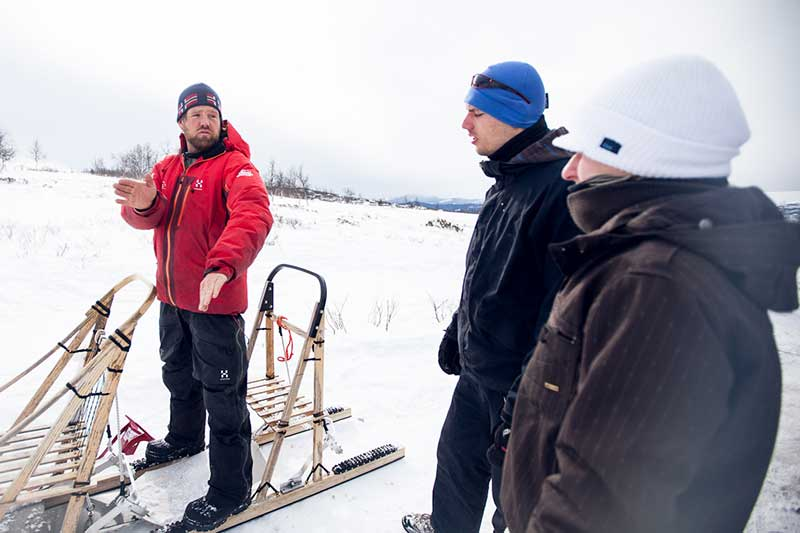 winter teambuilding activities with Beito Husky Tours